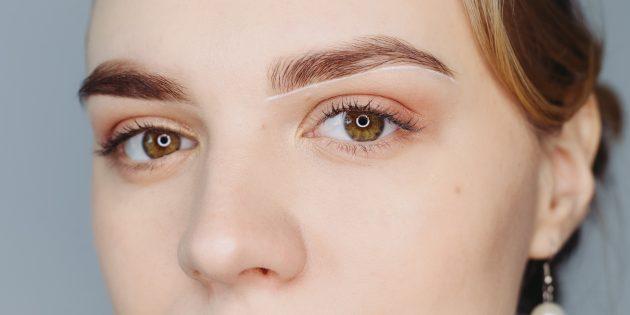 Как сделать красивые брови: прорисуйте нижние контуры брови