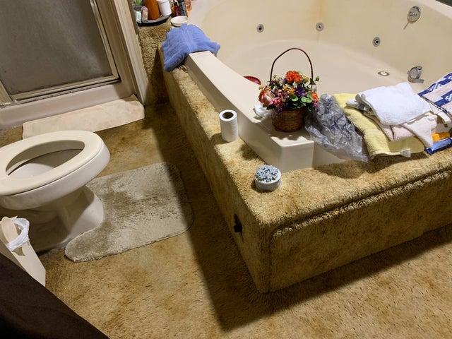 мягкий пол в туалете