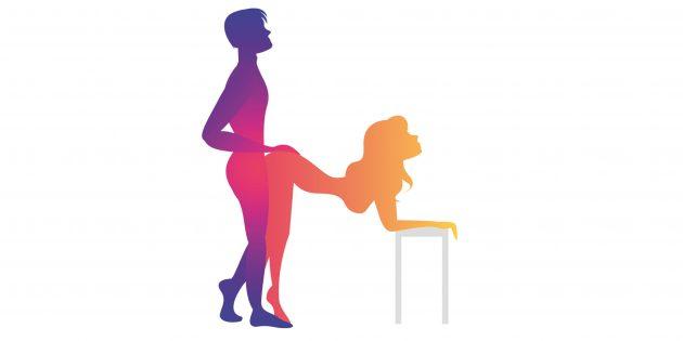 Секс на столе: мужчина сзади