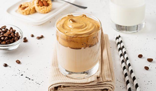 Дальгона-кофе с шоколадной пастой