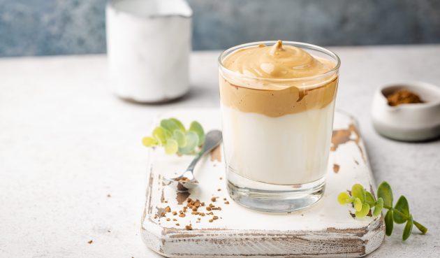 Дальгона-кофе с арахисовой пастой