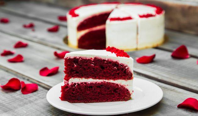 Торт «Красный бархат» без яиц с сырным кремом