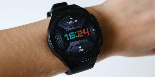 Huawei Watch GT 2e на руке