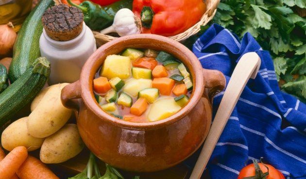 Картошка в горшочках с овощами