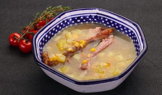 Вкусный гороховый суп с копчёными рёбрышками