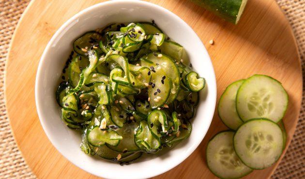 Салат из огурцов «Суномоно»