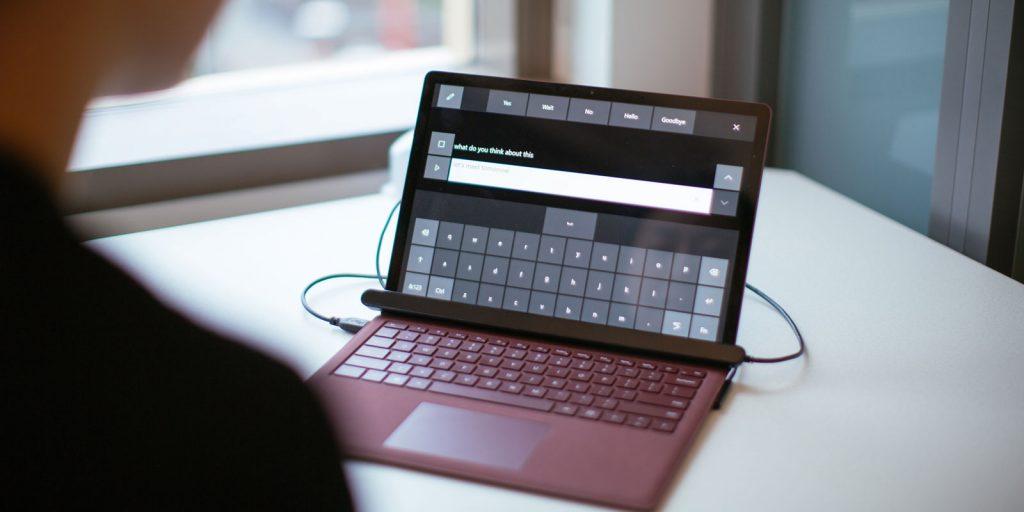 Виртуальная клавиатура с датчиком для управления глазами