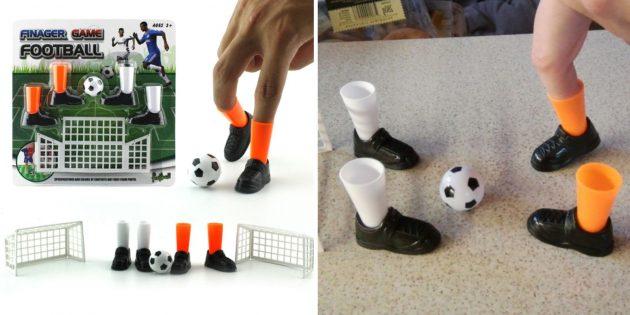 Пальцевый футбол