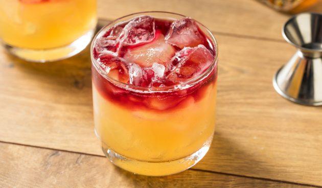 Алкогольный коктейль «Нью-Йорк сауэр»