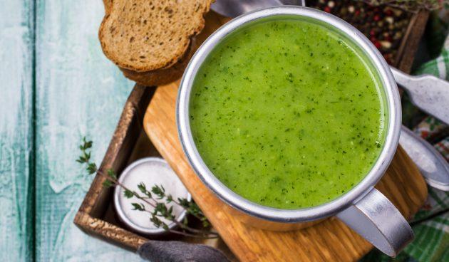 Холодный суп-пюре из огурцов и ананаса