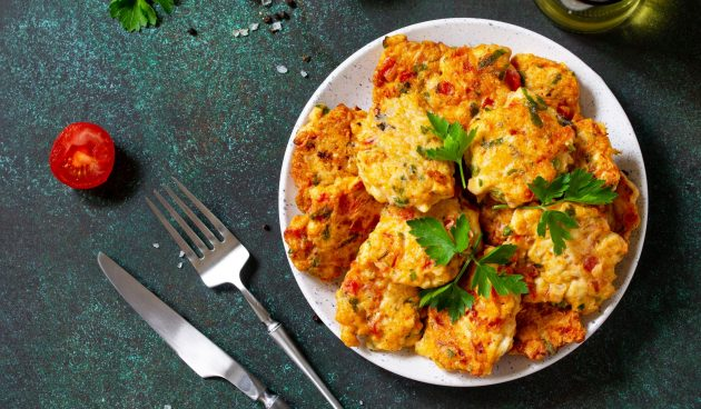 Рубленые куриные котлеты с сыром и болгарским перцем