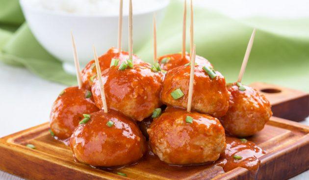 Мясные шарики в медово-апельсиновом соусе