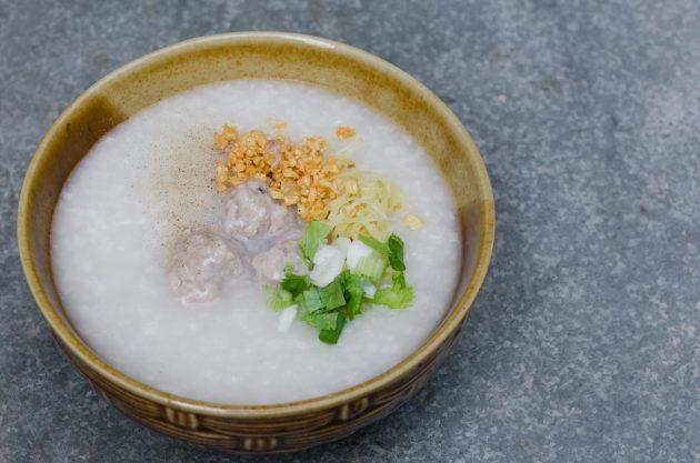 Рисовая каша с фрикадельками