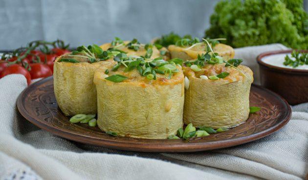 Фаршированные кабачки с мясом, рисом и овощами