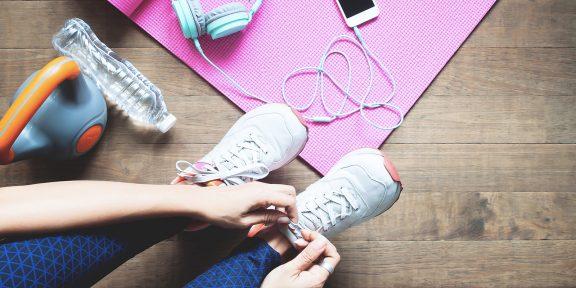Тренировка дня: 5 крутых упражнений на прокачку бёдер и корпуса