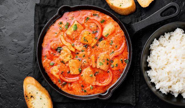 Рыбное рагу с помидорами и болгарским перцем