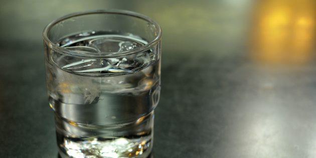 Человеческому организму нужно 8стаканов воды в день