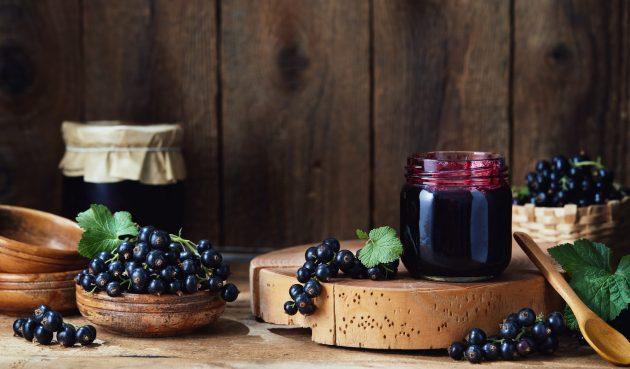 Варенье из чёрной смородины без варки