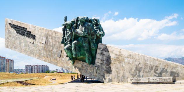 Что посмотреть в Новороссийске: ансамбль-мемориал «Малая земля»