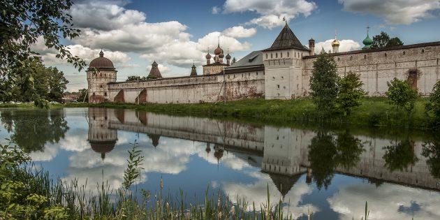 Достопримечательности в округе Ярославля: Ростовский Борисоглебский монастырь