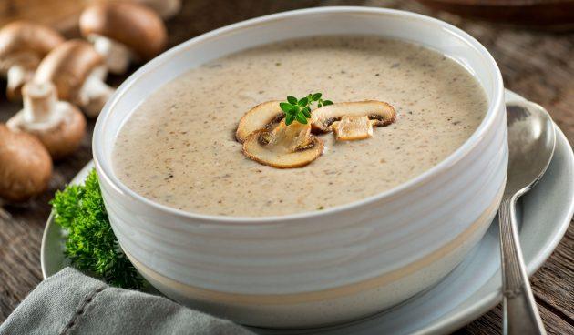 Крем-суп из шампиньонов со сливками и миндальным молоком