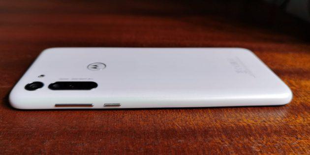 Motorola Moto G8: дизайн и эргономика