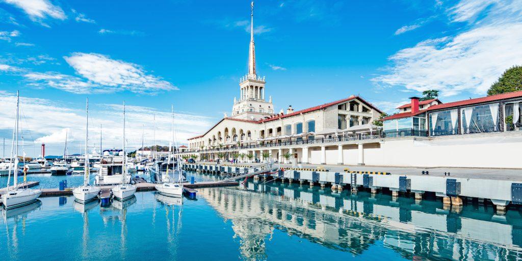 Достопримечательности Сочи: морской вокзал