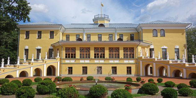 Достопримечательности Ярославля: губернаторский дом и Ярославский художественный музей
