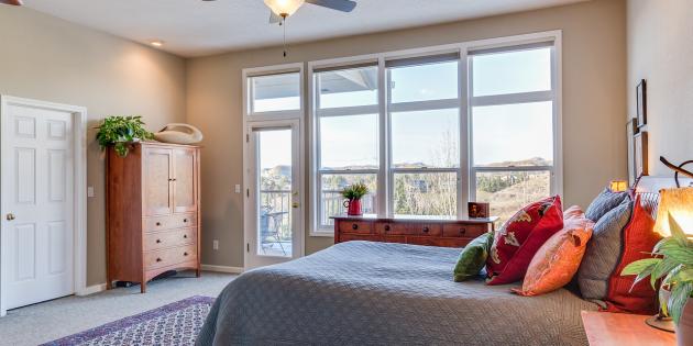 Ремонт спальни: установите качественные окна