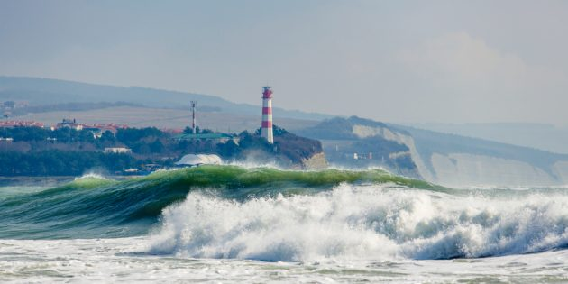 Достопримечательности Геленджика: маяк на Толстом мысе