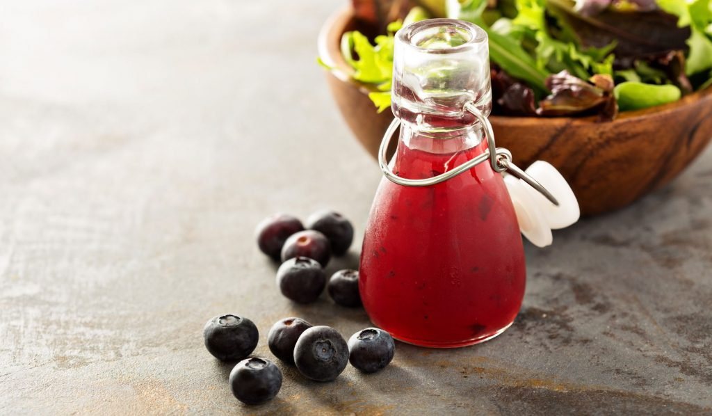 Salad dressing with balsamic vinegar and blueberries