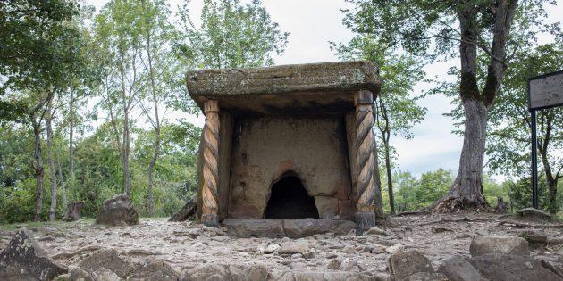 Достопримечательности Геленджика: пшадские дольмены и хозяйство «Дольмен»