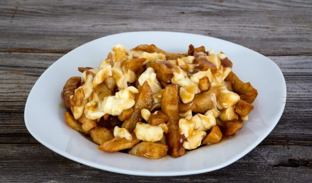 Квебекский путин из картофеля
