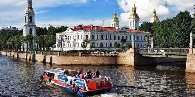 Скидки на прогулки на теплоходах по рекам и каналам Санкт‑Петербурга (−62%)