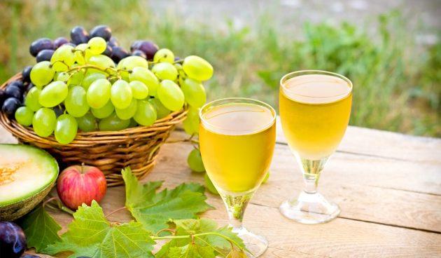 Сухое вино из белого винограда