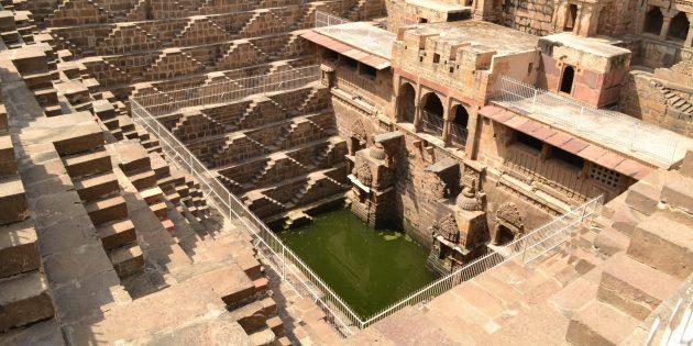 памятники архитектуры: Чанд Баори