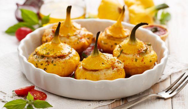 Патиссоны с беконом и сыром, запечённые в духовке