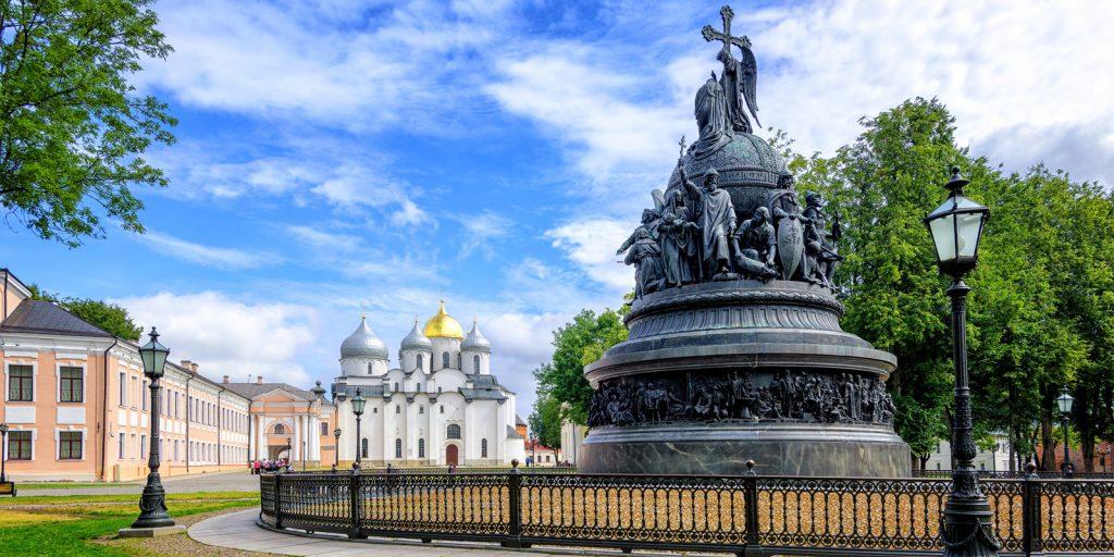 Достопримечательности Великого Новгорода: памятник тысячелетию России