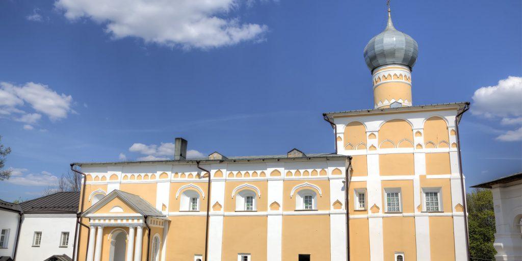 Варлаамо-Хутынский Спасо-Преображенский монастырь и могила Гавриила Державина