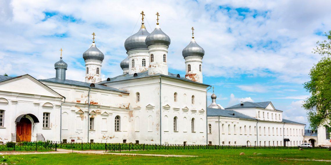 Юрьев монастырь и музей деревянного зодчества «Витославлицы»