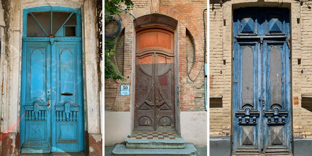 Дома с красивыми дверями