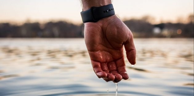 Мокрые морщинистые пальцы полезны