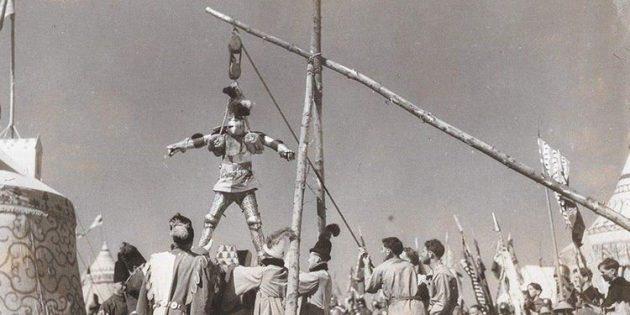 Рыцари Средневековья не седлали коней при помощи подъёмных устройств