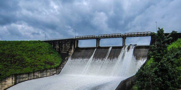 Вода хорошо проводит электричество