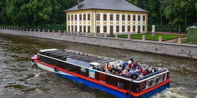 Скидки на экскурсии на теплоходах по рекам и каналам Санкт‑Петербурга
