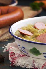 Сытные и ароматные. Эти гороховые супы полюбит вся семья