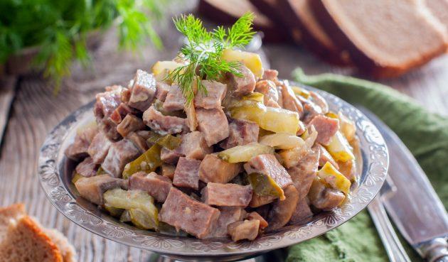 Салат с языком, огурцами и грибами