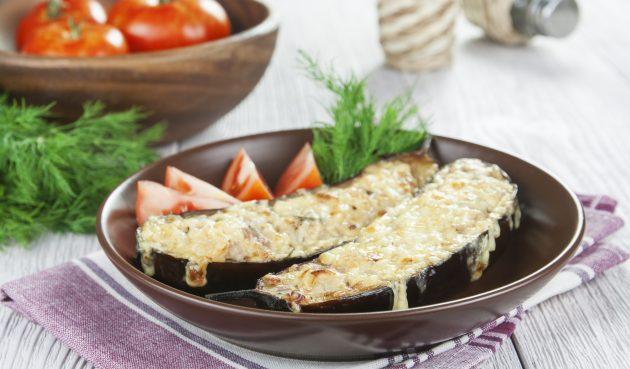Баклажаны с мясом и перцем, запечённые в духовке