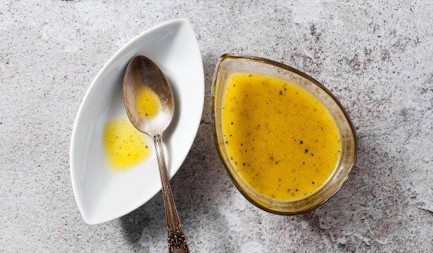 Медовый соус с лимоном и чесноком