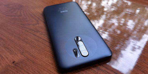 Смартфон Redmi 9: дизайн и эргономика